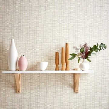 Scion-Lohko-Wallpaper-Tocca-cream-white-patterned-dunky-hallway